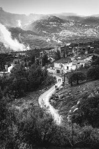 Le village de Bouzeguéne en Kabylie